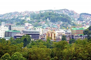 s_800px-Landscape_view_of_Baguio_City,_Philippines