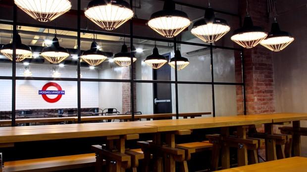 マニラIT会社のドミトリーのカフェ