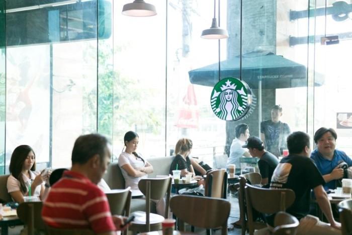 hotel-Starbucks