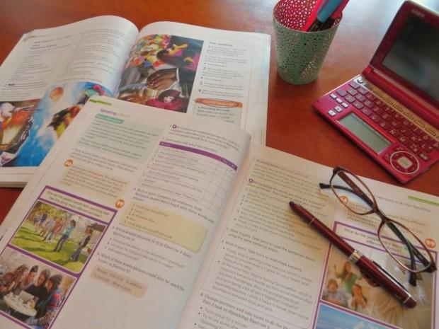 英語勉強中の机