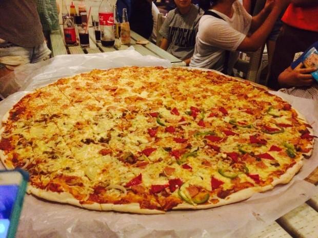 超巨大ピザ