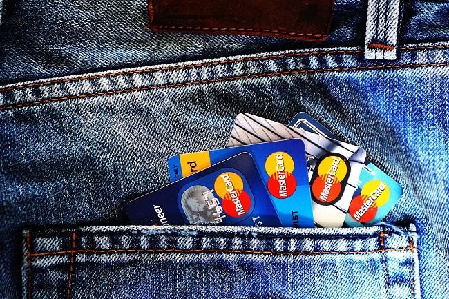 credit-card-1583534_1280-min